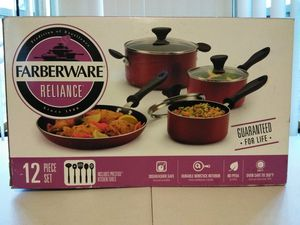 Farberware Reliance Aluminum Nonstick 12 Piece Cookware Set With Kitchen Tools for Sale in Detroit, MI