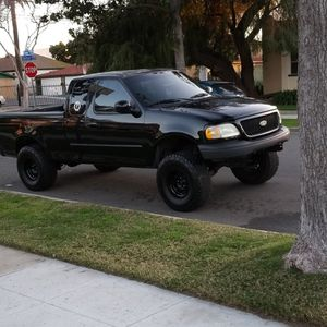 2002 Ford F150 lifted for Sale in Anaheim, CA