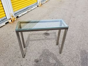 End table for Sale in Franklin Park, IL