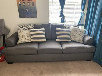 Pull out couch for Sale in Kissimmee,  FL