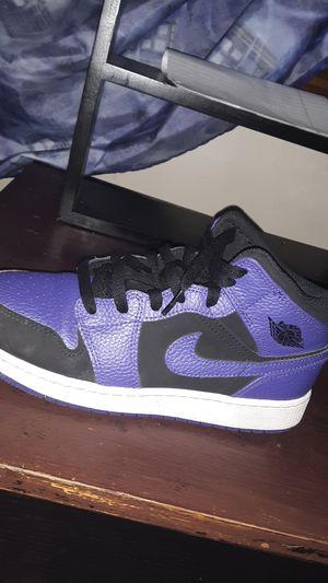 Purple size 6.5 Jordan retro 1 for Sale in Suffolk, VA