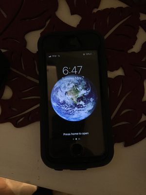 iPhone 5s prepaid straight talk phone used w/ otter box for Sale in Barnegat, NJ