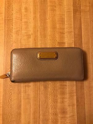 Authentic Marc Jacobs wallet for Sale in Los Angeles, CA