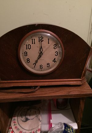 West Chester chime new haven antique clock. for Sale in Columbus, OH