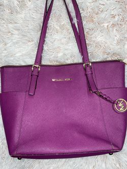 Michael Kors Purse for Sale in Lawrence,  MA