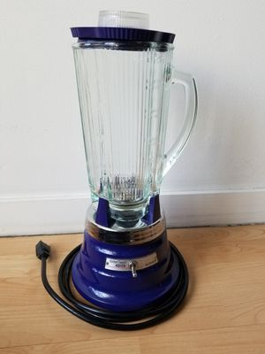 It's margarita time ! WARING classic blender - blue for Sale in San Francisco, CA
