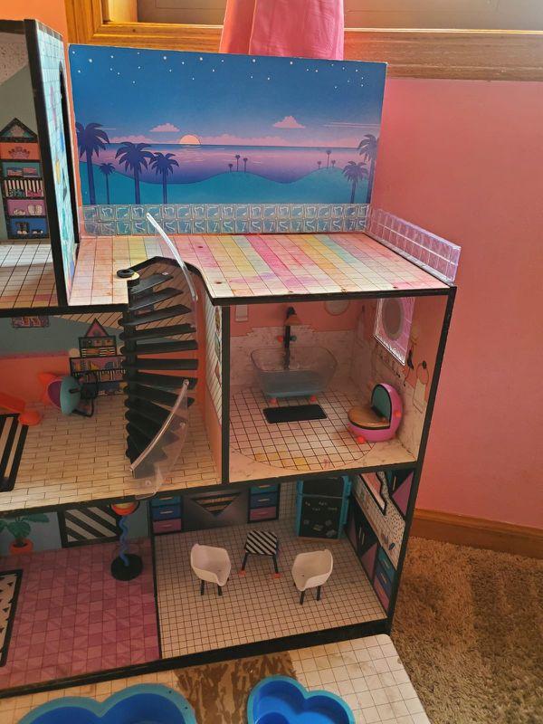 LOL Doll House