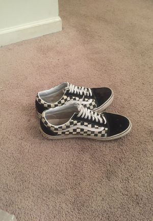 Black and white vans size 11 for Sale in Brunswick, OH