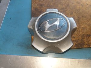 Hyundai Santa Fe Center Cap for Sale in Ingleside, IL