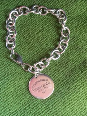 """Tiffany &Co Sterling Silver 925 Circle pendant Charm, Bracelet 8""""Long for Sale in South Gate, CA"""