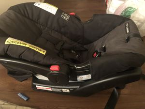 Infant car seat for Sale in Goose Creek, SC