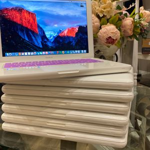 """Beautiful 13.3"""" MacBook Laptop Computer 8GB MacOS 10.11.6 for Sale in Upland, CA"""