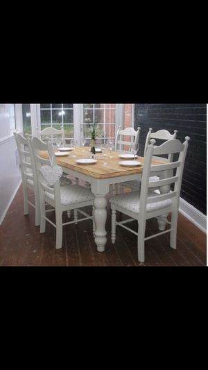 Tan and white dinning set for Sale in Haines City, FL