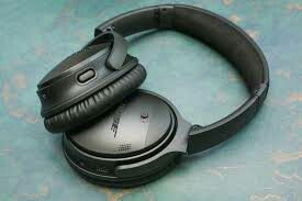 Bose Headphones: Quiet Comfort 35 II. Only used once. Like new! for Sale in Vernon Hills, IL
