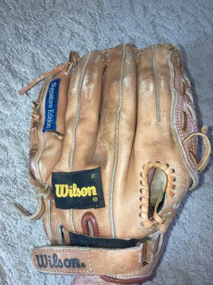 Wilson right handed glove signature model a 2111 Roger Clemens excellent condition stored in Tupperware Korea premium cowhide for Sale in Philadelphia, PA