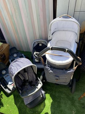 Peg perego stroller with bassinet, car seat, 2 bases for Sale in Sunnyvale, CA