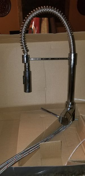 Pull Down Chrome Kitchen Faucet for Sale in Decatur, GA