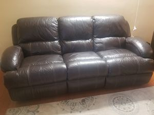 Recliner couch- pure leather for Sale in Chantilly, VA