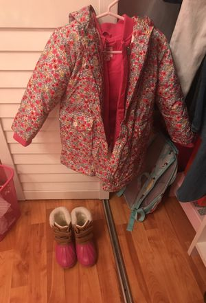 Gap parka and boots for Sale in Miami, FL