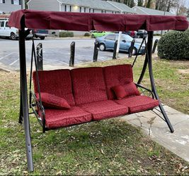 Floor Sample Outdoor Patio Swing Daybed Bench Sofa Bed for Sale in Atlanta,  GA