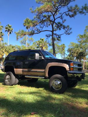 This is a unique 1998 Chevy Tahoe 1-ton 4x4x6 custom build for Sale in Cypress Gardens, FL