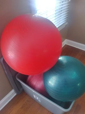 3* Yoga balls & 2* 5 lb Weights for Sale in College Park, GA