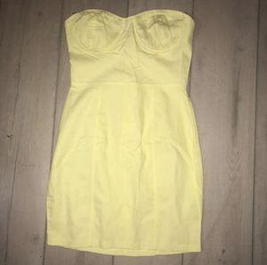 Laura's boutique yellow strapless mini dress for Sale in Duarte, CA