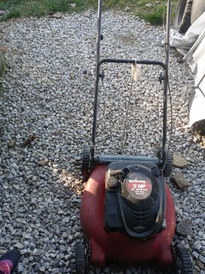 YARD MACHINES 5HP 21INCH CUT REAR BAG MULCHER LAWN MOWER. for Sale in Whitehall, OH