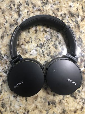 Sony Wireless Bluetooth > extra bass headphones MDR-XB650BT for Sale in Tampa, FL