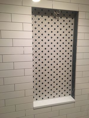 "1"" x 1"" Hexagon Mosaic Tile Black / White. 18sq.feet available for Sale in Puyallup, WA"