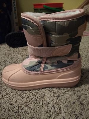 Girls snow boots, size 1, Children's Place for Sale in Brooklyn, OH