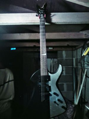 Peavy Void 1 Electric Guitar for Sale in Mount Vernon, GA