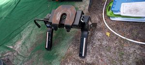 I sell 5th wheel hitch for truck. very good condition for Sale in Winter Garden, FL