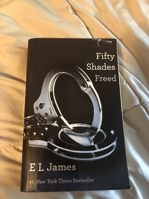 Fifty Shades Freed Paperback for Sale in West Warwick, RI