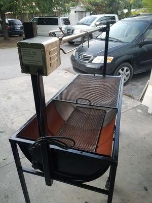 Bbq,grill para cerdos cordero pollos etc con for Sale in Palm Springs, FL