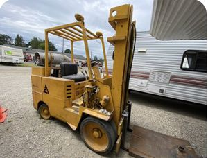 SUPER GOOD DEAL, FULL FUNCTIONAL,PROPANE, NEW CONDITION, 6,450 lbs FORKLIFT READY to use. SAVE $2,500 for Sale in Renton, WA