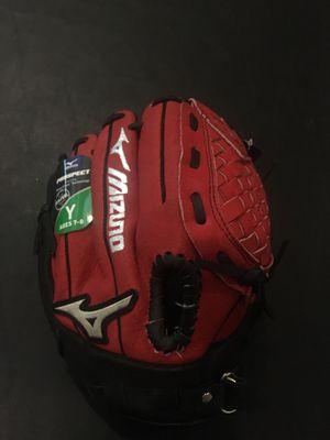 Youth baseball glove new!!! for Sale in Sun City, AZ