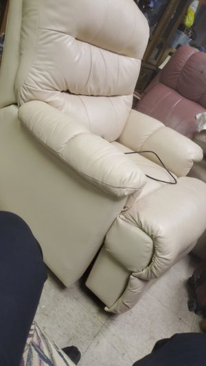 Reclining chair for Sale in Miami, FL