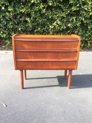 Mid Century Danish Modern Nightstand Bedside Table Chest of Drawers Dresser for Sale in Pomona, CA
