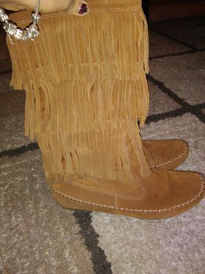 Lauren Conrad mid-calf Thia moccasins fringe suede boots chest nut for Sale in Tulsa, OK