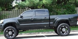 Everything works 2005 Toyota Tacoma for Sale in Westmont, IL