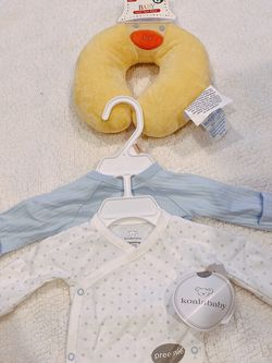 Preemie Baby Clothes 2 Pack With Baby Travel Neck Pillow for Sale in City of Industry,  CA