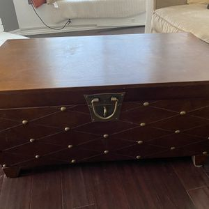 Moving Out Sale, Beautiful Chest Coffee Table! for Sale in El Cajon, CA