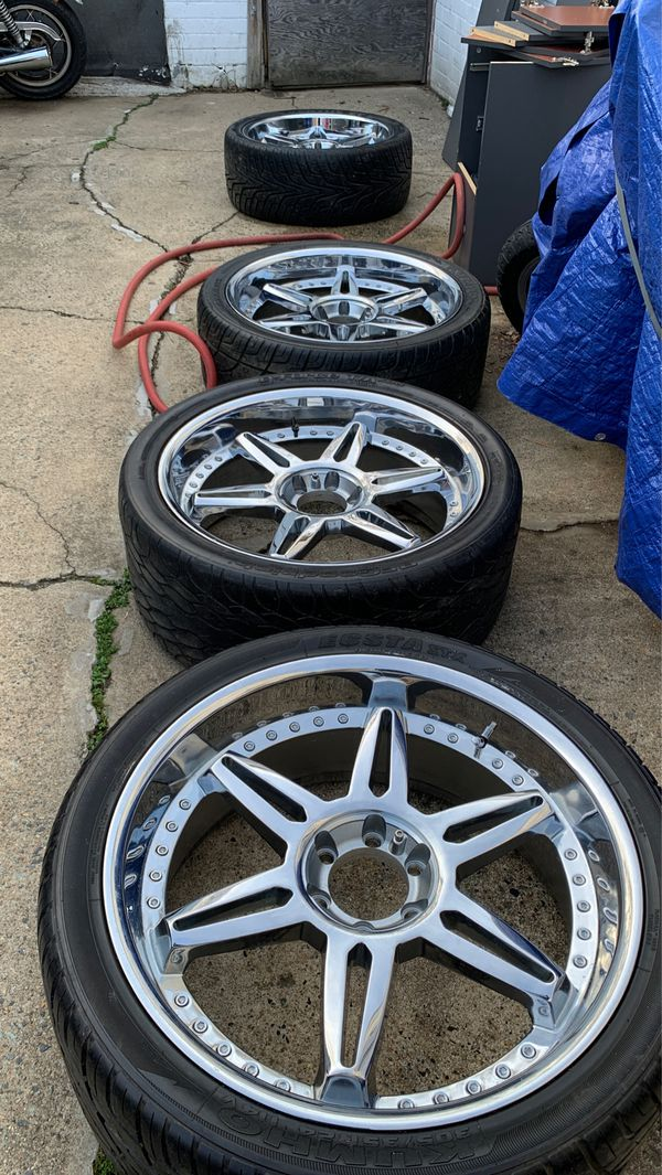"Set of (Rare) 24"" swheels, used on a Cadillac Escalade and on Toyota Sequoia"