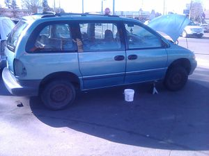 1995 Plymouth voyager for Sale in Modesto, CA