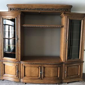 Haverty's Solid Wood Entertainment TV Center w/ Glass Curio Cabinets & Shelf - Bought for $1,785! for Sale in Spring Hill, TN