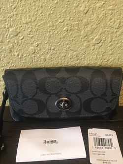 Brand New With Tags Coach Leather Glasses Case For Purse for Sale in Downey,  CA
