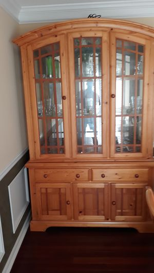 China cabinet. 6pc dining room set real wood for Sale in Marietta, GA