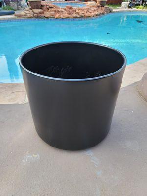 16h x 17w ceramic flower pot planter for Sale in Flower Mound, TX