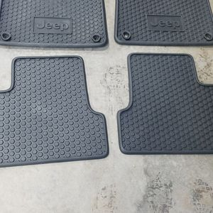2012-17 Jeep Cherokee Rubber Floor Mats for Sale in Melrose Park, IL